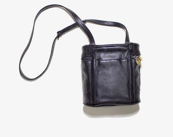 FLASH SALE Vintage Round Leather Purse / Black Leather Bag / Mini Leather Purse / Black Circle Bag / Crossbody Purse