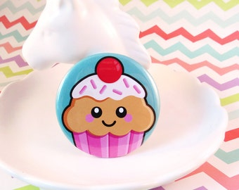 Pink Cupcake Magnet / Badge, food pin badge, cute cake badge, kawaii fride magnet, cupcake button badge, gifts for her, cup cake gift idea