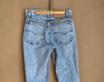 "WEEKEND SALE! vintage 80's 1980's Levis / acid wash / stone wash / straight leg / high waist / 5 pocket / 27"" waist  / 30""length"