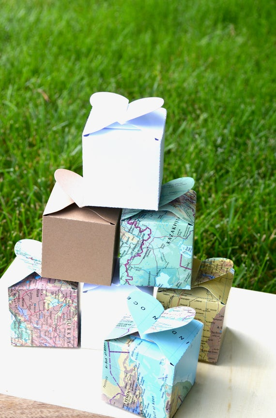 Heart Topped Favor and Confetti Boxes- In your choice of Vintage Map, Kraft Brown, Black, White, Red. Custom Colors Available.