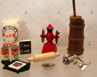 Lot Miniature Dollhouse Kitchen Accessories Coffee Grinder Butter Churn Food + More Destash