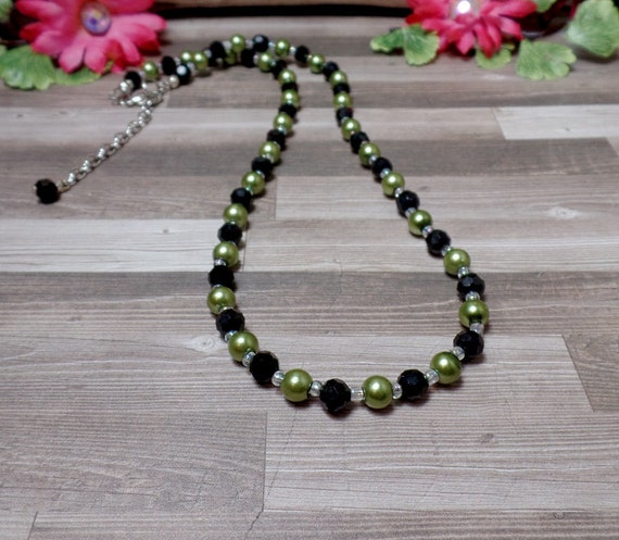 Green & Black Pearl Necklace - Beaded Necklace - Pearl Necklace