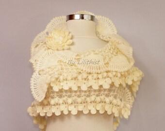 Ivory Bridal Shawl, Wedding Shawl, Cover Up,  Bridal Wrap, Crochet Shawl, Triangle Shawl, Bridal Shrug Bolero, Lace Shawl Bridal Accessoires