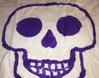 Purple - Skull - Size M - Stencil - Hand Painted - Shirt