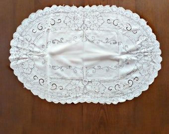 Oval Drawn Thread Lace Table Runner, Cutwork Linen