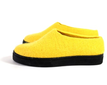 Yellow Felted Moccasins, Rubber Soled, Unisex Woolen Clogs, Wool Travel Shoes, Handmade Shoes, Winter Shoes Handmade Traditional Felting