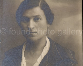 Vintage Photo, Woman's Portrait, Black & White Photo, Old Photo, Found Photo, Vernacular Photo, Studio Portrait