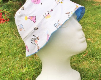 Reversible Children's Sun Hat - Circus & Blue