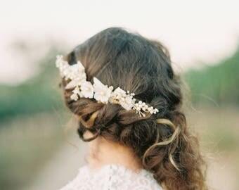 Floral Wedding Hair comb, Bridal hair comb, flowers headpiece, leaves headpiece, flower bridal headpiece, wedding hair accessory