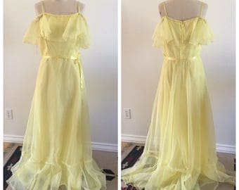 70's Vintage Yellow Chiffon Off-the-Shoulder Full Length Maxi Dress - Size Small