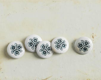 Vintage Shabby Flower Buttons Plastic Cottage Rustic Craft Supply