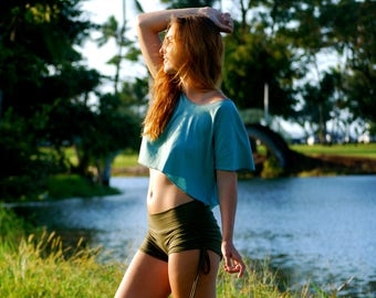 Boxy Crop Top - Organic Cotton Feather Weight Jersey - Loose Crop T - Shirt - Festival Clothing