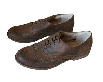 Brown Women's Wingtip Shoes Size 9