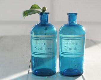 1 Large French antique apothecary jar - pharmacy bottle - Turquoise glass - engraved label - Curio cabinet- Eau Sédative
