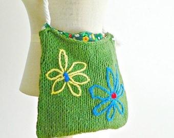 Boho Shoulder Bag, Vintage Green Knit Shoulder Bag, Hippie Purse, Flower Power Daisy Purse.