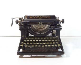 Vintage Typewriter / 1920s Woodstock Standard Model 5N Manual Typewriter