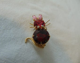 vintage red crystal glass milk kitty cat pin gold tone sweet