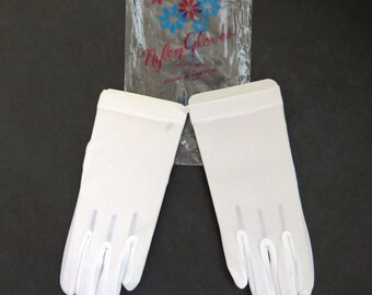 Vintage Little Girls White Gloves by Nolan Gloves - Size S Ages 2 to 4 - New Never Used Original Tags - Stretch Nylon - Flower Girl Wedding
