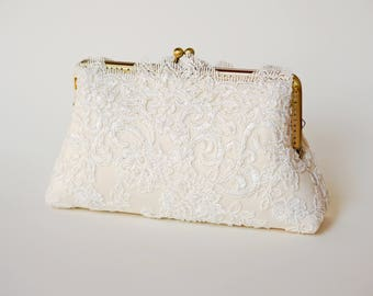 Ivory Capri Clutch / Vintage inspired / Elegant wedding clutch / Wedding Clutch / Bridal  Purse / Lace Clutch