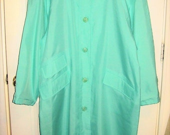 Vintage Ladies Mint Green Raincoat Dry Dock by Serbin Size 22 Only 16 USD
