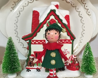 Clothespin doll Christmas elf red and green