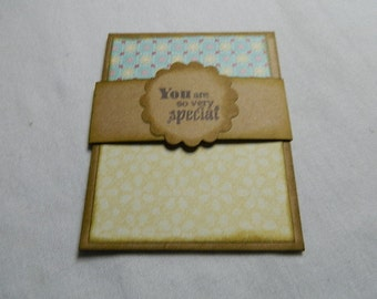 Gift Card Holder in Kraft card stock with yellow/print paper special