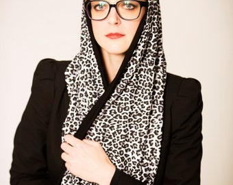 Infinity scarf 'Leopard' B&W