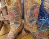 Corral Wings Peace Heart Boots Vintage Distressed SIZE 9.5 Women's Eagle A1976 Flashy Cowgirl Cowboy Rodeo Western
