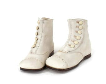 Vintage Fairy Boots Baby Booties or Doll Shoes White Leather Leather Soles for Large Doll