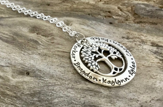 Personalized Family Tree Necklace / Tree Necklace / Family Tree Necklace For Mom / Grandmothers Necklace/Necklace For Mom