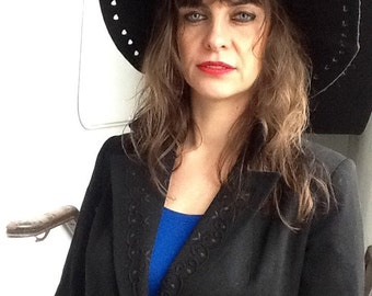 Black embroderie blazer
