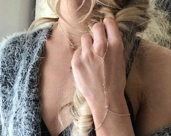 Silver Handchain, Festival Hand Chain, Coachella Jewelry, Festival Jewelry, Silver Bracelet, Star Bracelet, Silver Jewelry, Boho B073S-CH