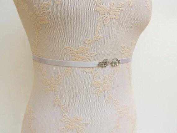 Ivory waist belt. Elastic belt. Skinny belt. Thin belt. Bridal belt. Silver filigree belt. Wedding belt. Bridesmaids belt. Dress belt.