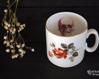Human skull mug. Human heart mug. Halloween mug. Goth mug. Halloween decor. Goth tableware. Gothic tableware. Halloween tableware