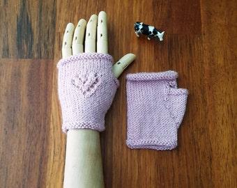 Womens gloves - love heart - handmade hand knitted - wool mittens - pink gloves - women's fingerless gloves - gift for her - soft pink