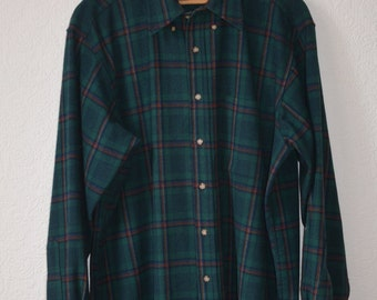 Inspired By The Canadian Riders Favourite Lumberjack Shirt This Is Made From A Lightweight Waterproof Material Meaning You Can