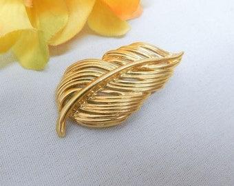 Vintage Napier Gold Tone Leaf Brooch