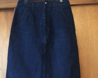 Vintage Women's Calvin Klein Dark Denim Skirt 11