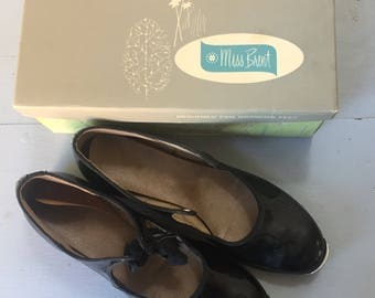 Miss Brent 1960s Tap Shoes - Girls Shoes - Vintage Dance Shoes - Tap Dancing - Patent Leather - Size