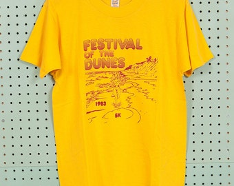 80s Vintage 5K Running Road Race T Shirt Size M Festival of the Dunes 1983 Medallion