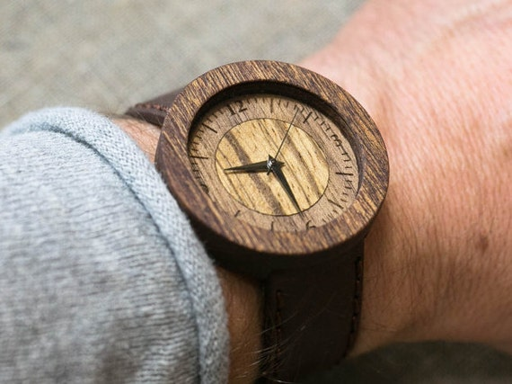 """Wood watch """"DALLAS""""  Majestic minimal Watch, brown vintage  Genuine Leather strap +Any Engraving / Rady Gift Box. Anniversary groomsman gift"""