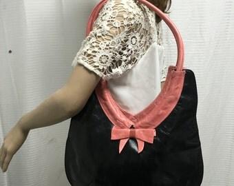 Sabrina, black, pink, leather purse, bag, pink bow, shoulder bag