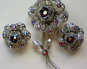 Sarah Coventry 1970's Hostess Gift Set Brooch and Earrings - 5140