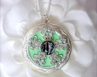 Cat Eye Locket Necklace Silver Filigree Locket Cat Eye Jewelry Dragon Eye Locket Goth Jewelry Glass Eye Necklace, Photo Locet Gift for Her