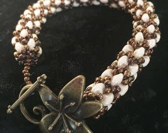 Netted Variation Woven Glass Bead Bracelet