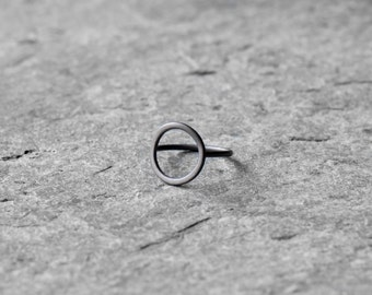 Circle ring, sterling silver minimalistic circle ring, geometric ring, geometric ring, simple ring, eternity ring