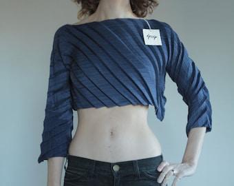 90's Pleats Please imitation pleated avant garde navy blue crop top