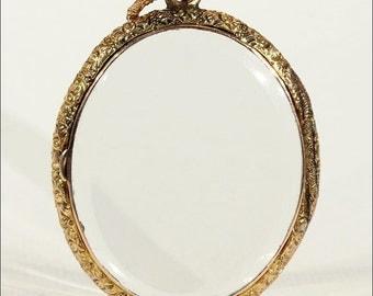 Antique Gold Frame Crystal Locket in 9k Gold