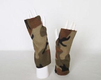 Fleece Fingerless Gloves – Mens Camo Texting Gloves, Camouflage Print Driving Gloves, Hand Warmers, Fingerless Mittens, Arthritis Comfort