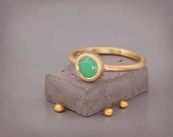 14k Gold Chrysoprase Ring   Handmade solid 14k gold ring set with a natural Chrysoprase
